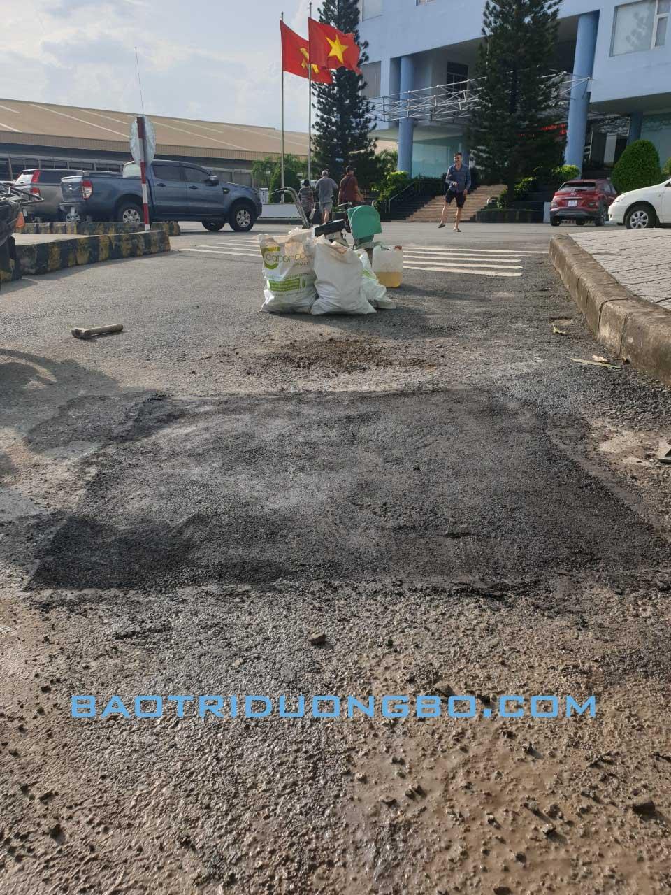 Bê tông nhựa nguội tại Sân bay Tân Sơn Nhất, TP. Hồ Chí Minh