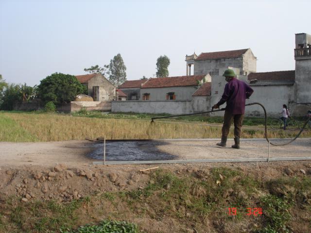 Sử dụng bê tông nhựa nguội thi công mặt đường giao thông nông thôn